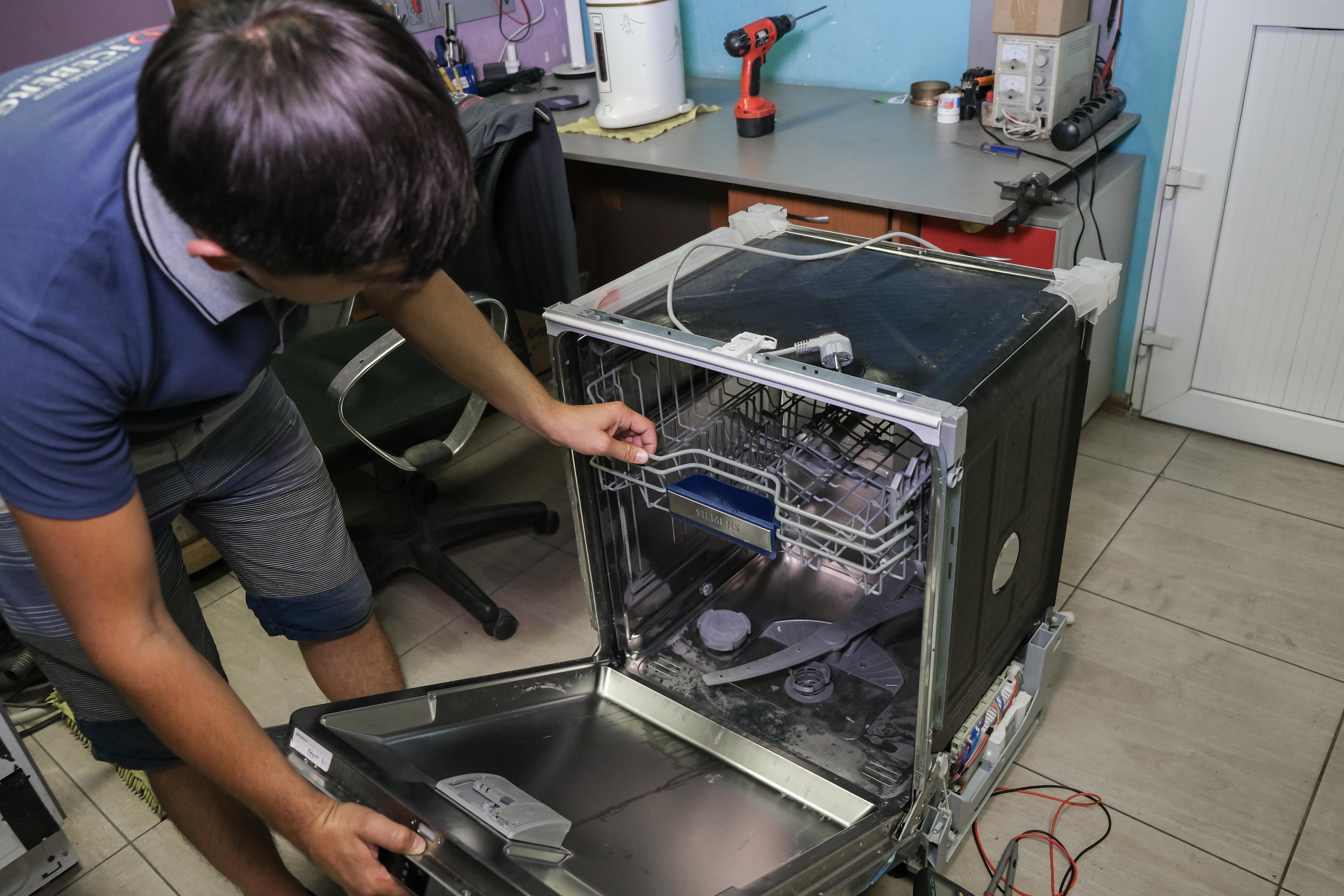 Произведем ремонт посудомоечной машины
